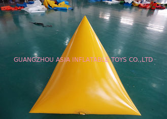 Chiny Triangle Shape Yacht Race Market Inflatable Buoys For Water Triathlons Advertising fabryka
