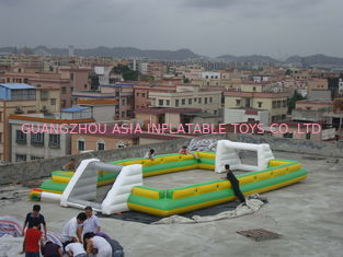 Chiny Giant Commercial Inflatable Soccer Field For Kids With 0.6mm Pvc Tarpaulin fabryka