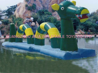 Chiny Giant Green Dragon Obstacle Course, Inflatable Water Challenge sports fabryka