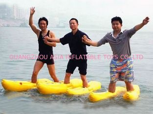 Chiny Walking On The Water, Inflatable Water Shoe For Water Amusement fabryka