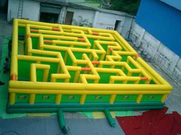 Chiny Inflatable Maze Games, Inflatable Tunnel Maze Game For Adults fabryka