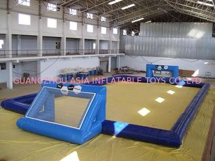Chiny commercial inflatable soccer field / soccer pitch for outdoor soccer games fabryka
