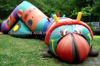Chiny Inflatable bugsy the caterpillar tunnel maze for children games fabryka
