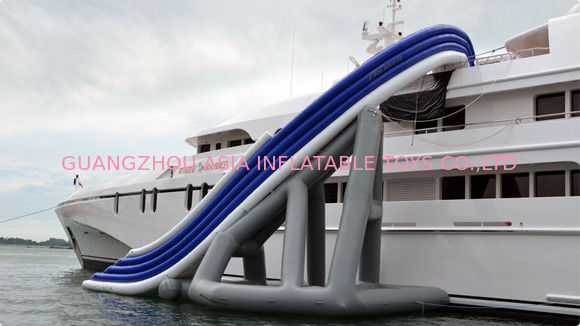 PVC floating Inflatable Water Sports , Curved Yacht Slide Waterproof dostawca