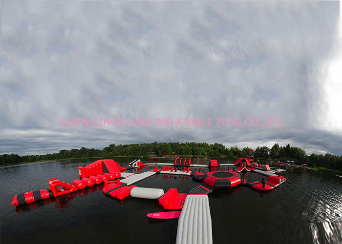 Exciting Fireproof Inflatable Floating Island Water Park Game For Adults dostawca