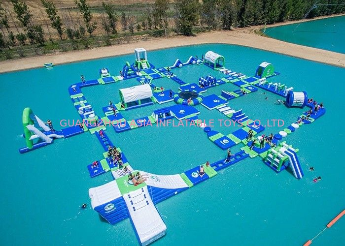 Open Water Inflatable Aqutic Sports Park With 0.9mm PVC Tarpaulin dostawca