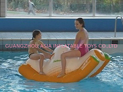 Commercial Grade 2 Seats Inflatable Water Totter / Inflatable Water Games For Pool dostawca